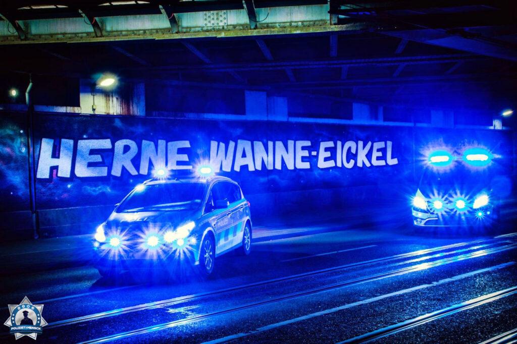"""""""Nachts (fast) allein in Wanne-Eickel. Grüße von Manuel und Gerrit"""""""