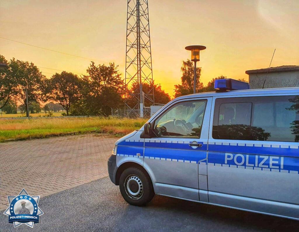"""""""Ende des Nachtdienstes an der A2 bei Hannover, vor der Polizeiautobahnwache. LG Michael"""""""