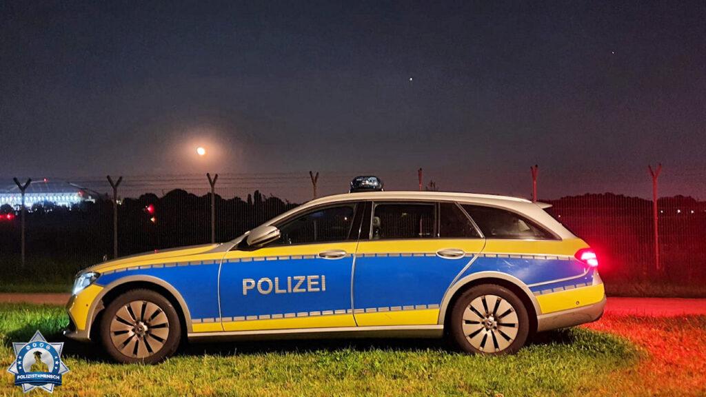 """""""Liebe Grüße aus der Nachtschicht vom PK 24 in Hamburg Niendorf senden Lisa, Benni und Thorsten"""""""