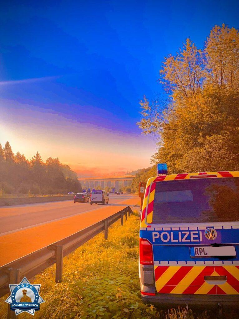"""""""Wir von der Verkehrsdirektion Koblenz wünschen allen ein schönes, sonniges Wochenende, Christian"""""""